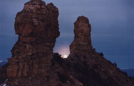 Chimney Rock Major Lunar Standstill Moonrise on 12/26/04